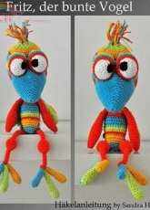 Motley Crochet Crew  -  Sandra Hawlik  - Fritz the Colorful Bird - German
