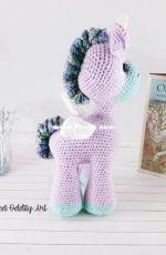 Sweet Oddity Art - Carolyne Brodie - Lila the Unicorn