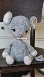 Polushka Bunny - Maria Ermolova - Crochet Mouse - Seuris au crochet - French