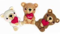 Mispeltoy crochet - Kenzi Noe - Bag Charm Valentine Bear - Tassenhanger valentijnsbeer - Dutch - Free