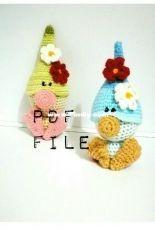 Woolaymo- Mariya Stany- Garden Gnome with Flowers