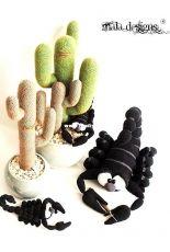 Mala Designs - Mandy Herrmann - Cacti with Scorpions - Dutch