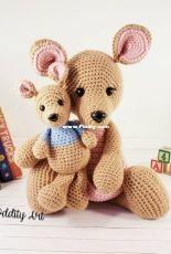 Sweet Oddity Art - Carolyne Brodie - Kangaroo and Joey