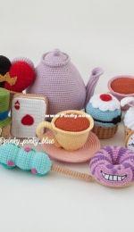 Pinky Pinky Blue - Nadejda Khegay - Crazt Tea Party