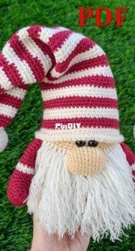 Scandinavian Christmas Gnome - Mary - Creative House Pattern