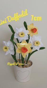 Pippa Patterns - Connie Rockliff - mini daffodil - English
