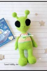 Sweet Oddity Art - Carolyne Brodie -  Zoog the Alien