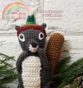 Red Heart - Sahrit - Sahrit Freud Weinstein - LW3699 Squirrel Ornament - Free