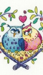 Heritage Crafts BFLO1435 Birds of a Feather - Love Owls - Karen Carter