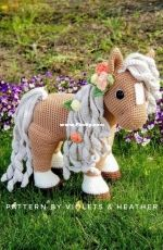 Violets and Heather - Heather Kumpf - Summer Horse