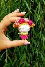 Crochet confetti flower elf
