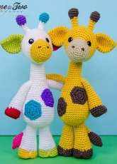 One and Two Company - Carolina Guzman- Geri the Giraffe Amigurumi - English