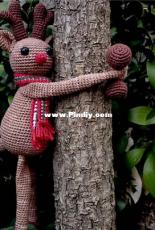 Projectarian - Hooked on Sunshine - Monika Mohr - Hugging Reindeer