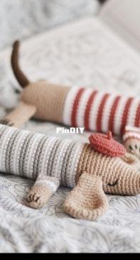 Firefly crochets - Olga Mareeva - Hotdog the Dachshund Crochet Pattern