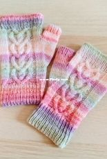 Love Bug Mittens by Cassandra Curtis-Free