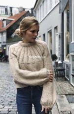 Sunday Sweater by PetiteKnit