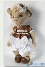 Little Owls Hut- Galina Astashova - Mary the Elephant