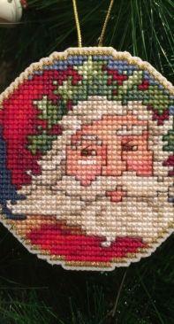 Holly Santa - Donna V. Giampa - Annie's Cross-Stitch 2014 Christmas Creations