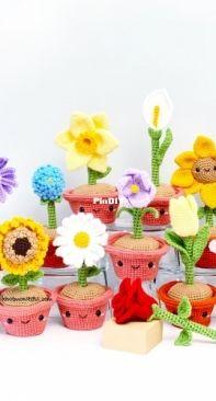 Knot Monsters - Michael Cao - 12 Crochet Flower Pens Patterns