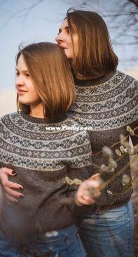 Frosty Flowers Sweater by Tanya Mulokas - Russian