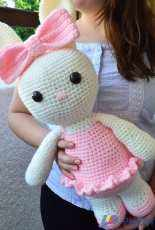 Bunnies and Yarn - Michelle Alvarez - Laurie the Friendly Ballerina Bunny