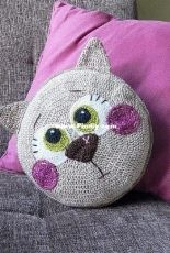 Zipzipdreams - Elif Tekten - Cutie Cat Pillow - Turkish - Free
