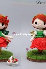 Wendy Li Designs - The Rose girl Lola-English