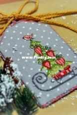 The Christmas Tree by Anna Petunova